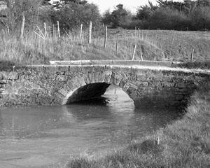 pont ancien nb300
